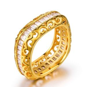 Jewelry - Gorgeous gold plated ring
